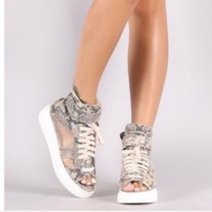 Shoes - NWT SNAKESKIN & MESH SNEAKERS